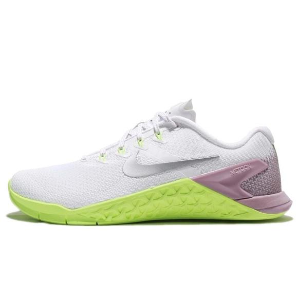 huge discount 4bae0 5ea4e NIKE Metcon 4 Women s Training Shoe. M 5b66278f035cf13380808910